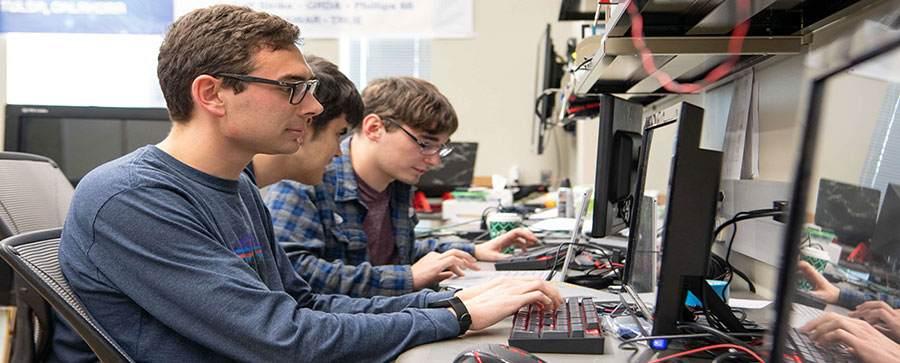 درآمد رشته مهندسی کامپیوتر در کانادا